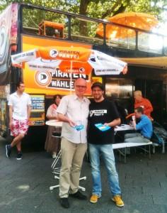 Udo Vetter und Patrick Schiffer (v.l.) in Krefeld