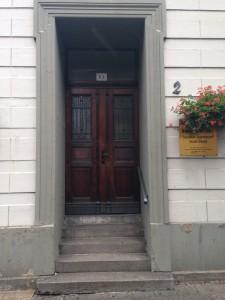 Uerdingen - Eingang mit Stufen
