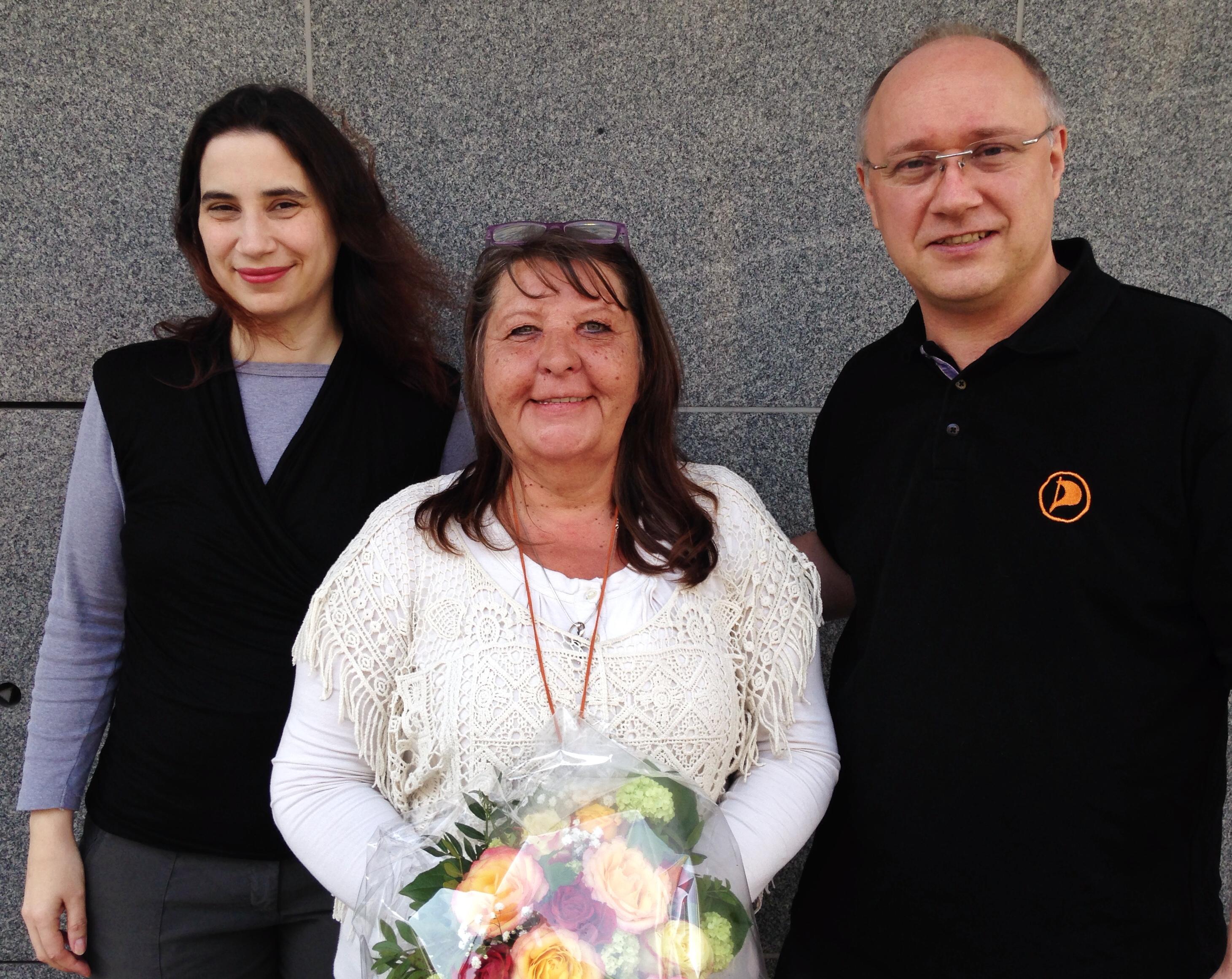 Vorstand der Krefelder Piraten gratuliert Sandra Leurs zur Oberbürgermeisterkandidatur.